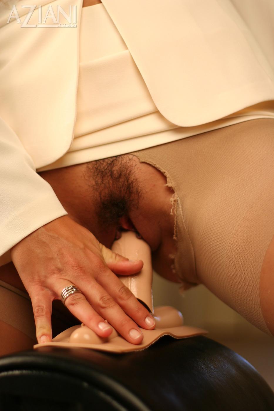 Male mutual hand jobs