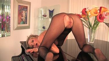 Brooke Belle Video