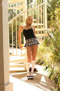 Free Hannah Harper Pic from Aziani.com