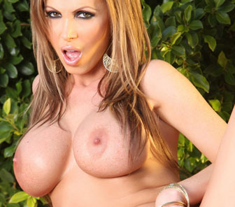 Free Nikki Benz photos from Aziani.com