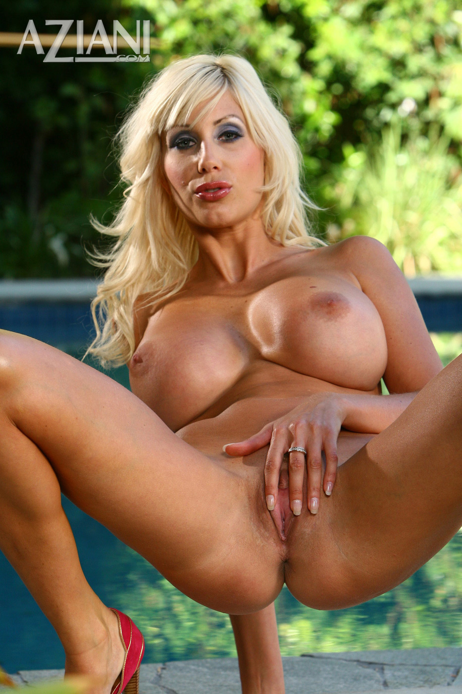 Aziani.com presents nude photos of Puma Swede